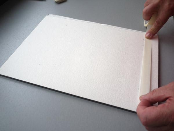 pose du ruban pour délimiter la peinture